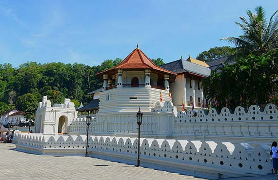 Temple of the Tooth, Kandy. Foto: Koshy Koshy/flickr
