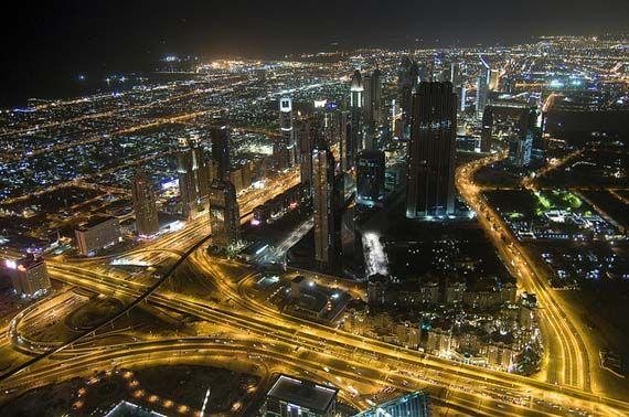 Dubai by Night, Foto; Kamel Lebtahi/flickr.com