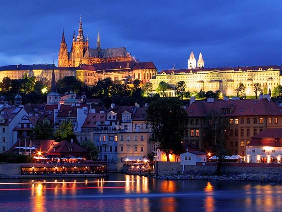 Prague at Night. Foto: Christopher.woo/flickr