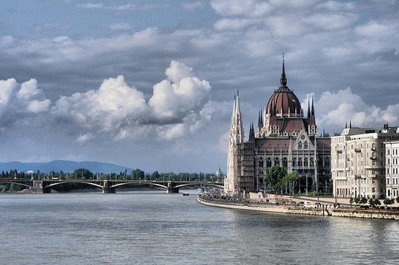 Danube and Parliament. Foto: David Spender/flickr
